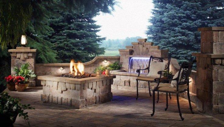 terrasse-pierre-foyer-extérieur-cascade-assortis