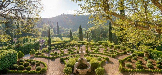 vue-jardin-magnifique-symetrie