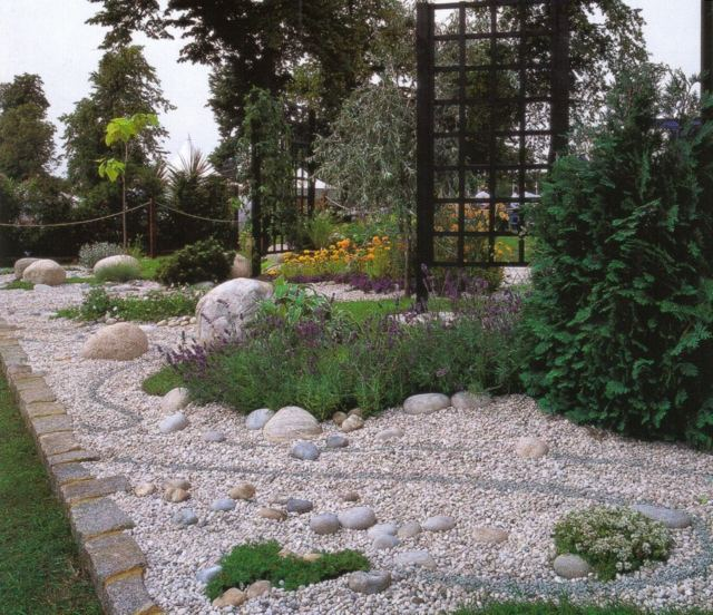 decoration-pierre-jardin-fleurs