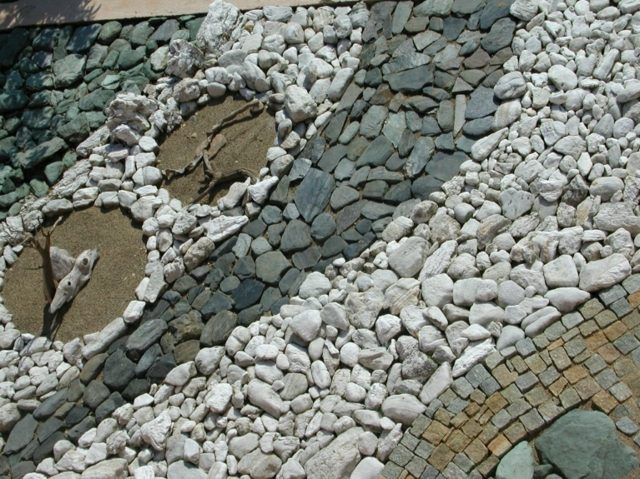 idee-de-chemin-deco-jardin-pierre