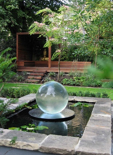 jardin-zen-fontaine-boule-cristal