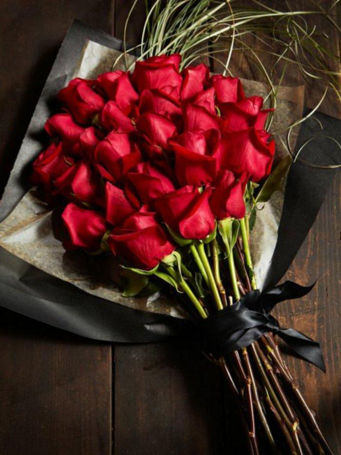 1-signification-des-roses-bouquet-roses-rouges-magnifique-bouquet-de-fleurs-symbole-rose-rouge